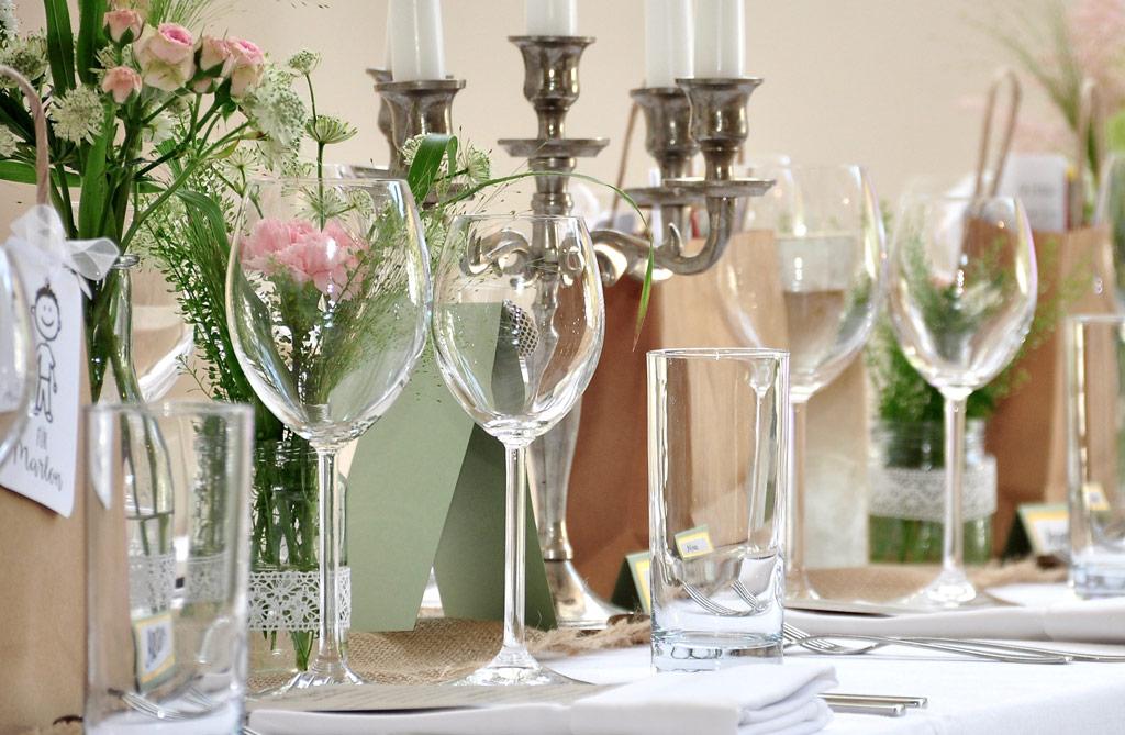 Ihr Möchtet Eurer Hochzeitsfeier Das Gewisse Etwas Verleihen Und Sucht Noch  Accessoires Um Ein Traumhaftes Ambiente Zu Schaffen. In Unserem Unserem  Showroom ...
